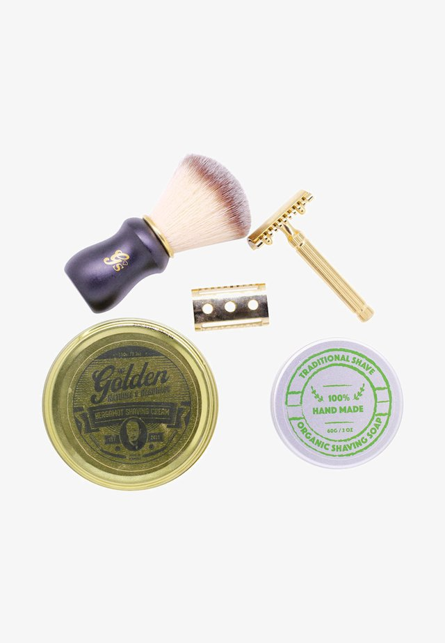 SHAVING KIT - Barbersæt - -