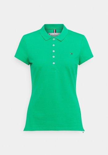 SHORT SLEEVE SLIM - Polo shirt - primary green