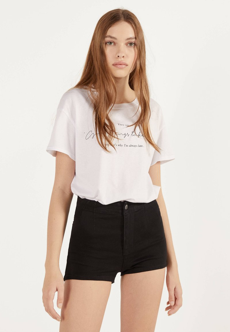 Bershka - Shorts di jeans - black
