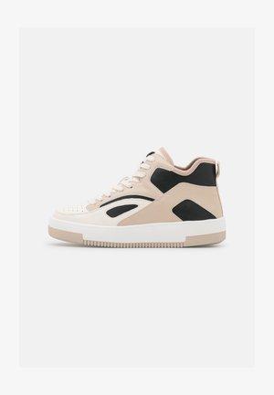 VEGAN TRAECLYA - Sneakers hoog - bone