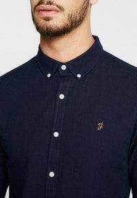 Farah - BREWER SLIM FIT - Shirt - mid indigo - 4