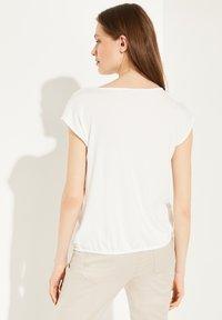 comma - Print T-shirt - white women print - 2