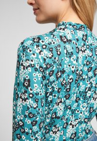 Q/S designed by - Long sleeved top - turquoise aop - 5