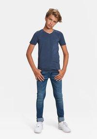 WE Fashion - Basic T-shirt - dark blue - 1