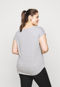 New Look Curves - BROOKLYN TEE - T-shirt imprimé - dark grey - 2