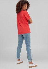 O'Neill - SURFBOARD - Print T-shirt - cayenne coral - 1