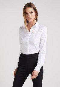 Patrizia Pepe - Button-down blouse - bianco - 0