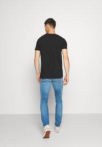 Jack & Jones - JJIGLENN JJFOX AGI  - Jeans Skinny Fit - blue denim - 2
