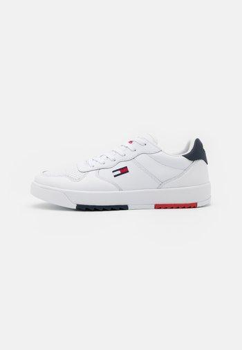 BASKET - Sneakers basse - white
