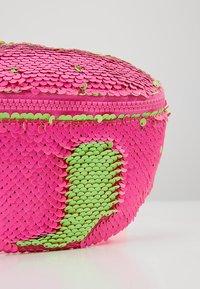 J.CREW - SEQUIN FANNY PACK - Bältesväska - neon pink - 2