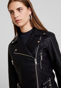 New Look - DONNA CROPPED JACKET - Faux leather jacket - black - 3
