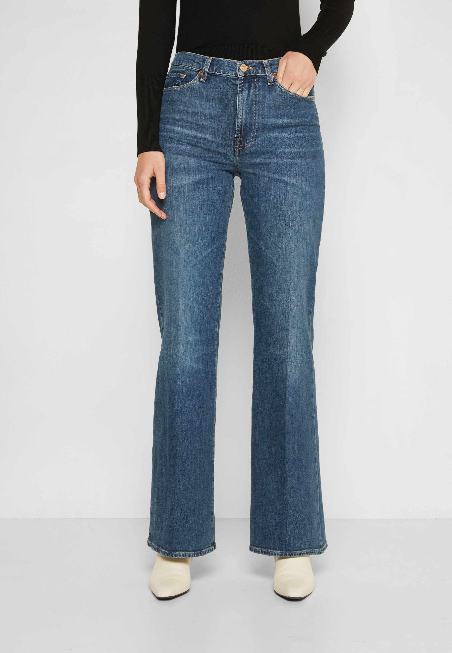 Women MODERN DOJO - Flared Jeans