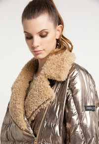 Frieda & Freddies - STEPPJACKE VANESSA MIT OVERSIZE SCHNITT - Winter jacket - gold - 3