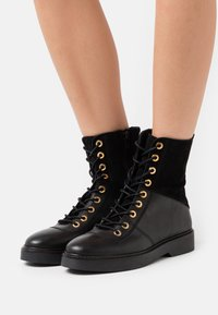 Shoe The Bear - BILLIE HIGH - Lace-up ankle boots - black - 0