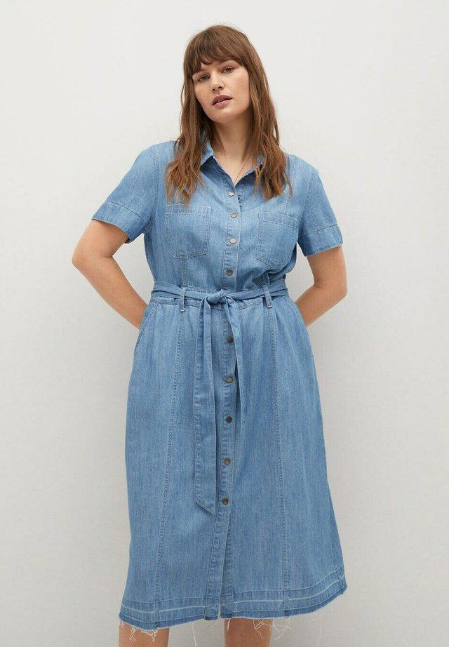 CLAIRE - Denimové šaty - hellblau