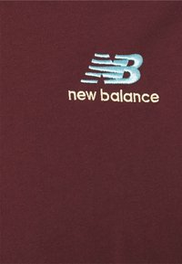New Balance - ESSENTIALS EMBROIDERED TEE - Basic T-shirt - red - 2