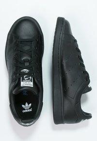 adidas Originals - STAN SMITH - Sneakers basse - black/white - 1
