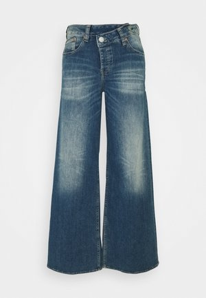 MÄZE FLARED TOUCH - Jeans bootcut - mariana blue