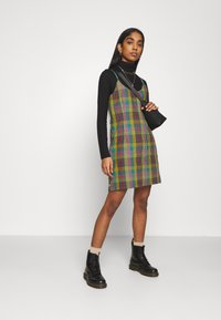 The Ragged Priest - CHECK CAMI DRESS SIDE SEAM ZIPS - Kjole - multi check - 1