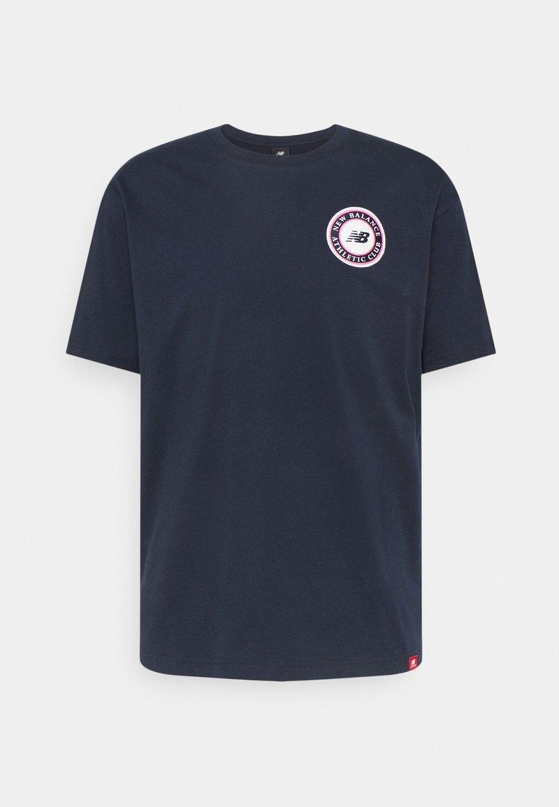 New Balance - ESSENTIALS ATHLETIC CLUB LOGO TEE - Print T-shirt - dark blue
