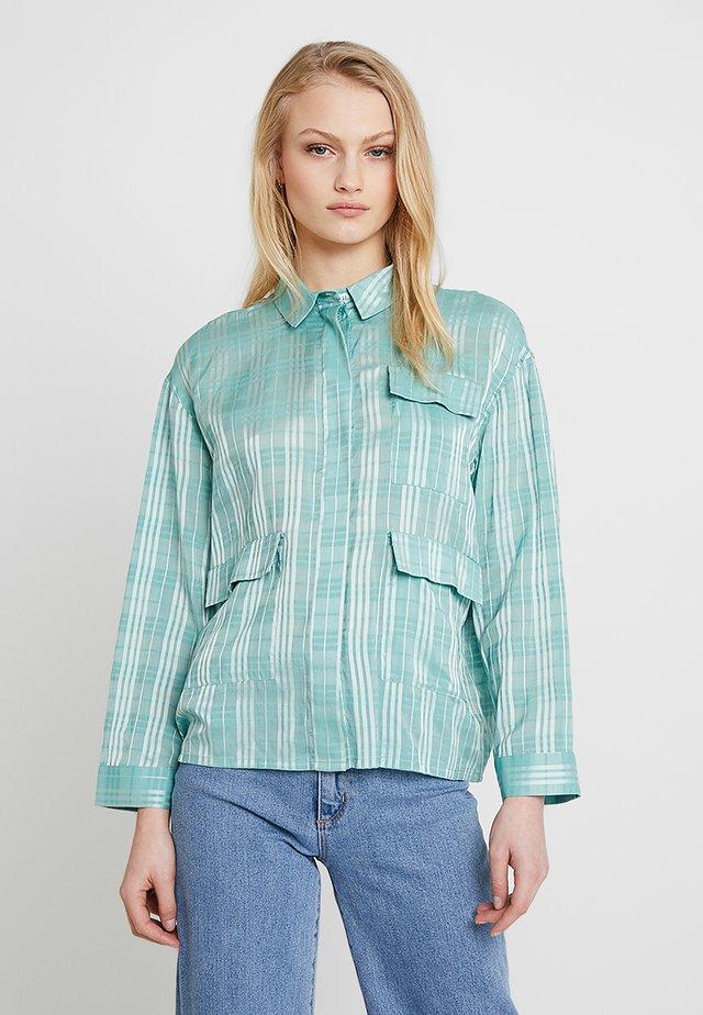 ILONA - Camicia - beryl green