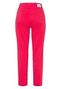 BRAX - STYLE CARO  - Slim fit jeans - pink - 6