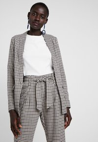 ONLY Tall - ONLLENA LONG - Short coat - grape leaf/black/cream pink - 0