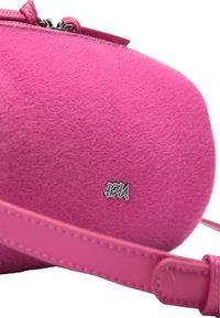 IZIA - Across body bag - pink - 4