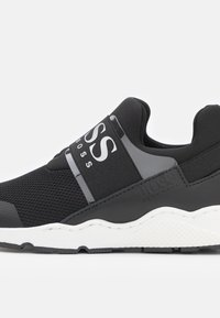 BOSS Kidswear - TRAINERS - Sneaker low - black - 5