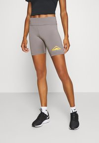Nike Performance - FAST SHORT TRAIL - Leggings - enigma stone/silver - 0