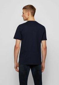 BOSS - NOAH - Print T-shirt - dark blue - 2