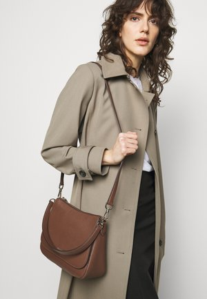 FLAP SHOULDER BAG - Handbag - hazelnut