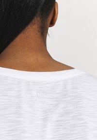 Casall - T-shirt basic - white - 4