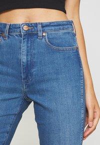 Wrangler - RETRO - Slim fit jeans - dance with me - 5
