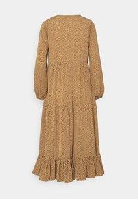 Glamorous Petite - TIERED DRESS - Maxi dress - rust cream - 1