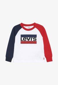 Levi's® - RAGLAN TEE BABY - Långärmad tröja - white - 2