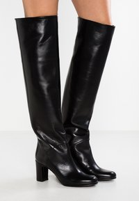 L'Autre Chose - Over-the-knee boots - black - 0