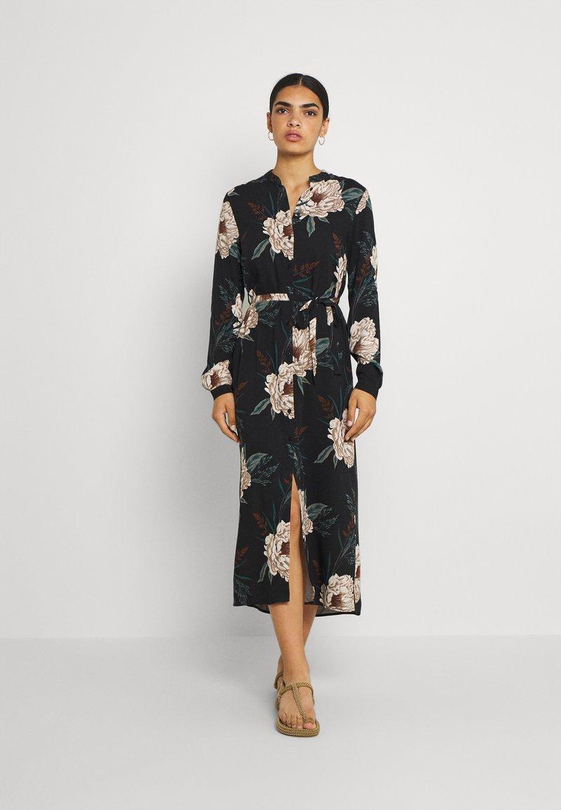 Vero Moda - VMSIMPLY EASY SHIRT DRESS - Vapaa-ajan mekko - black