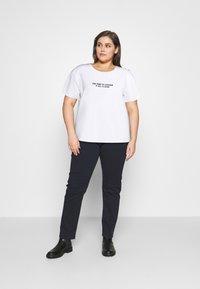 Dr.Denim Plus - MELROSE PLUS TEE - Print T-shirt - white - 1