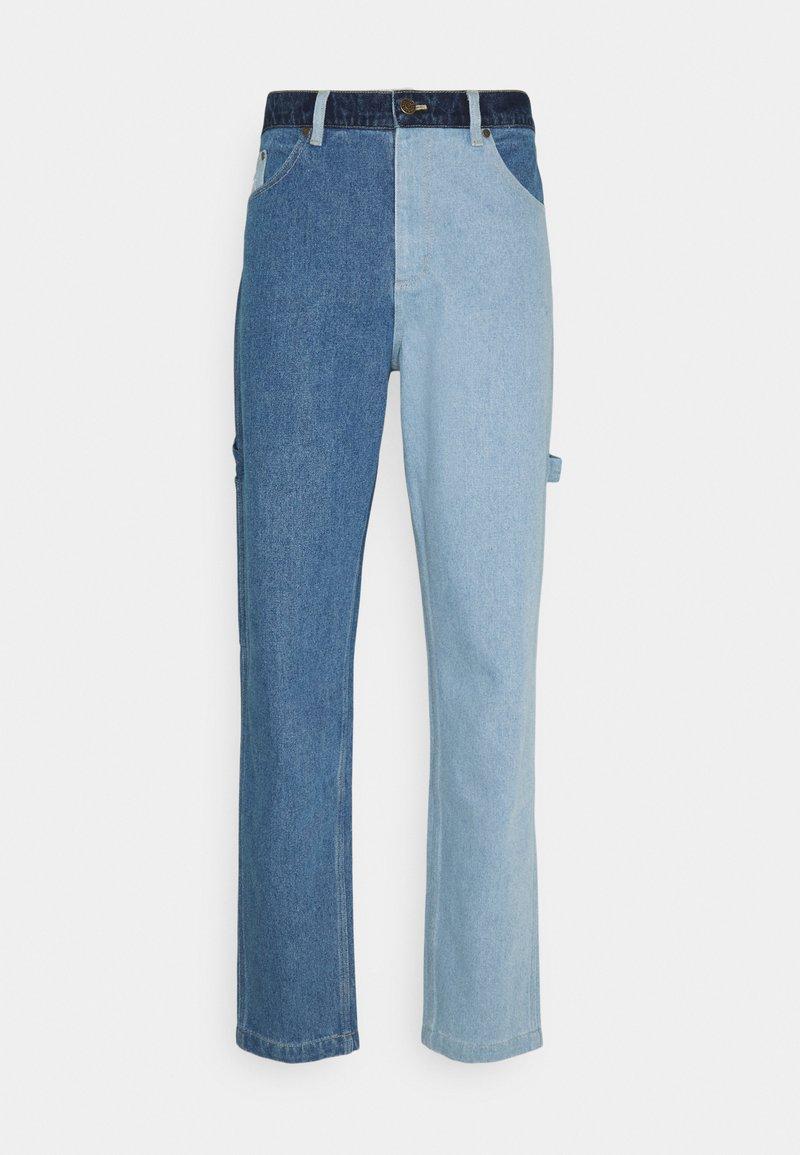 Karl Kani - RINSE BLOCK PANTS - Relaxed fit -farkut - blue