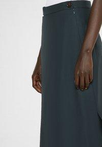 Vivienne Westwood - LOOSE INFINITY SKIRT - Pencil skirt - green - 3