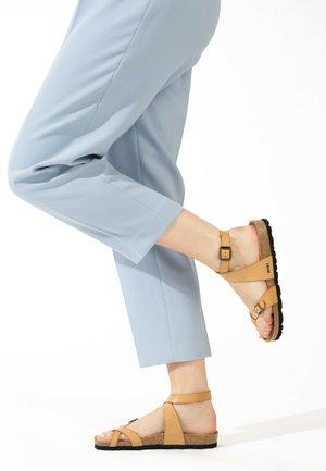 Sandalen met enkelbandjes - camel