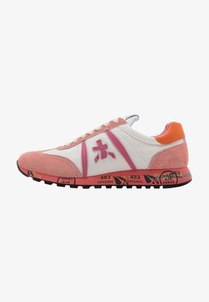 Trainers - white pink