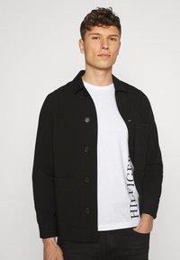 Tommy Hilfiger - SMALL LOGO TEE - Print T-shirt - white - 3