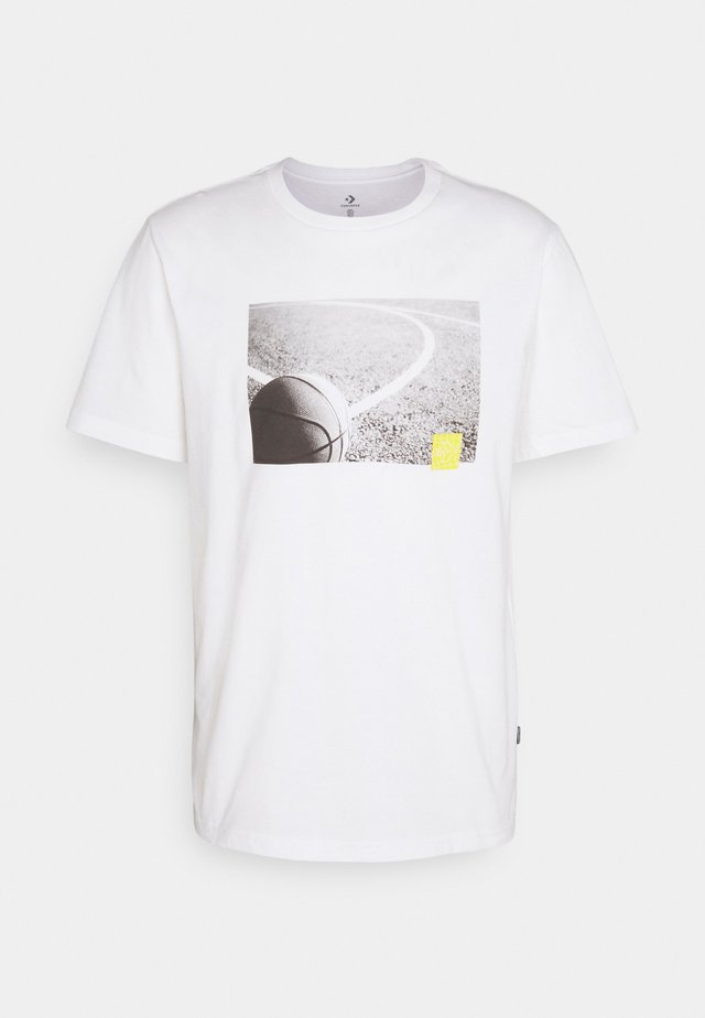 COURT PHOTO SHORT SLEEVE TEE - Print T-shirt - white