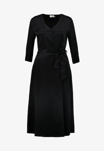 KAVELLA DRESS