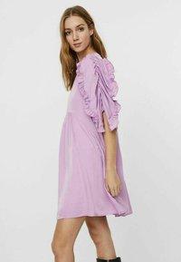 Vero Moda - Hverdagskjoler - violet tulle - 2