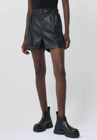Salsa - GLADYS - Shorts - schwarz - 0
