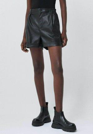 GLADYS - Shorts - schwarz