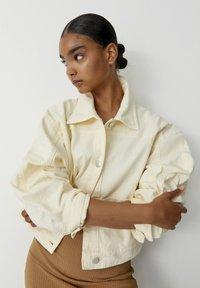 PULL&BEAR - Summer jacket - beige - 2